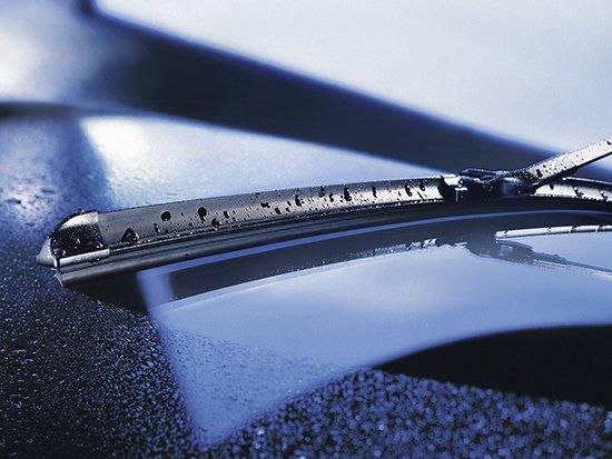 Как часто нужно менять щетки стеклоочистителя?